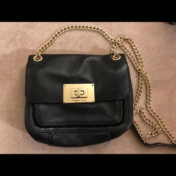 071abcdb26970f Michael Kors Bags | Black Crossbody With Gold Chain Strap | Poshmark